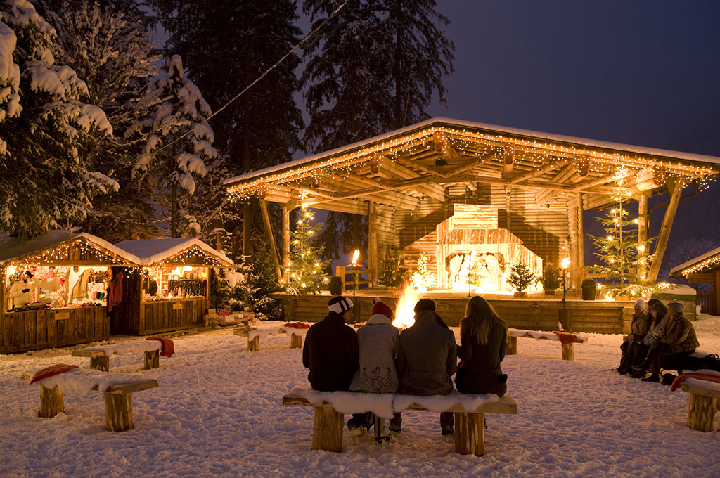 Christmas at an advent market in Mayrhofen