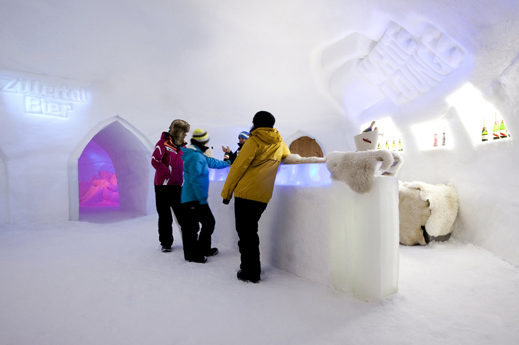 The white lounge on the Ahorn mountain in the Zillertal